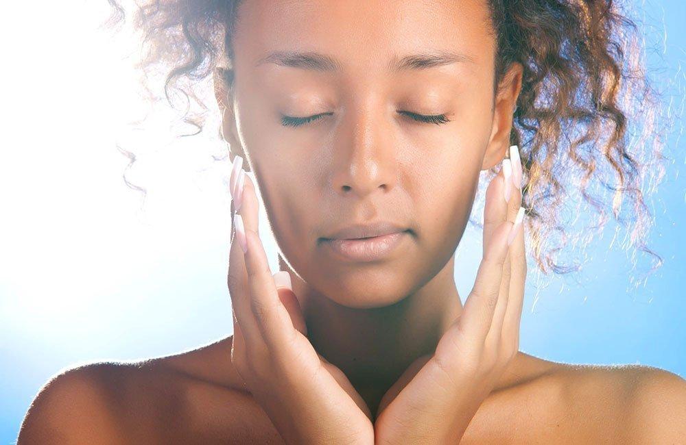 Consigue el rejuvenecimiento facial que deseas gracias al peeling de fenol en el Centro Médico Estético Carmen Sarmiento de Sevilla. Llámanos 955 546 020.