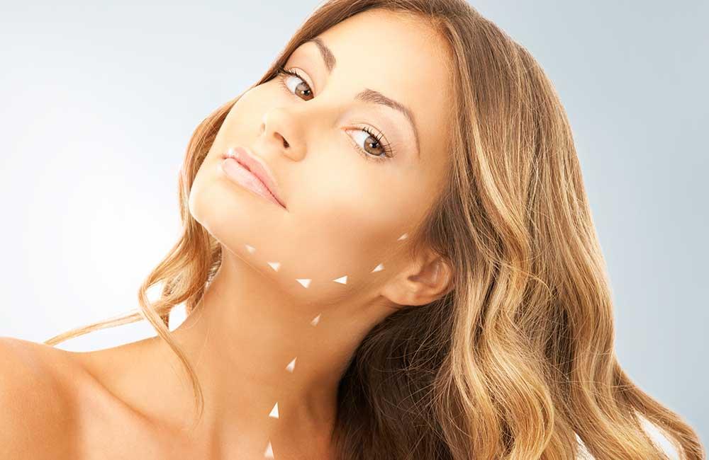 Redefine óvalo facial, cuello y escote. Visage Excellence Method. Hilos APTOS ® en Carmen Sarmiento