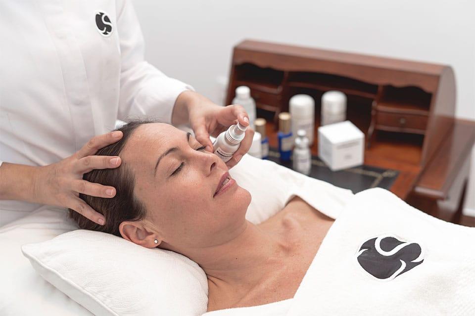 Tratamientos faciales en Sevilla en el Centro Carmen Sarmiento, llevamos más de once años esforzándonos para ofrecerte los mejores tratamientos faciales.